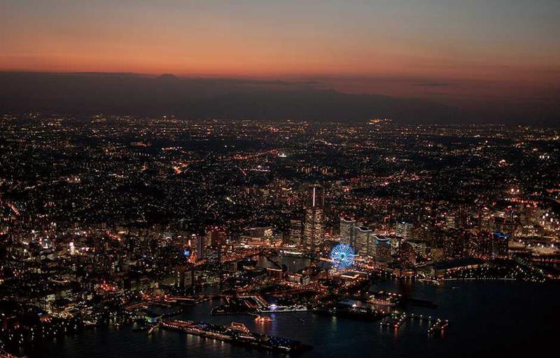 プレミアムフライデーならば日没の瞬間を見られる「クイーンコース」に間に合うことかと。夕方から夜に移り変わる幻想的な景色が楽しめます。