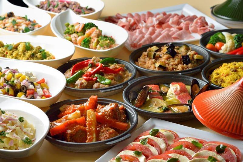 地中海料理「ヴェンタリオ」の「カレーフェスタ 2017」は、カレー以外の料理も充実しています。