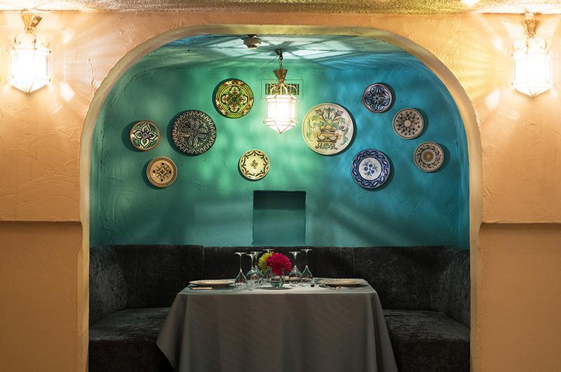 南欧風のボックスシートで本格スペイン料理に舌鼓を打ちながら、存分にフラメンコの世界に浸ってくださいませ。