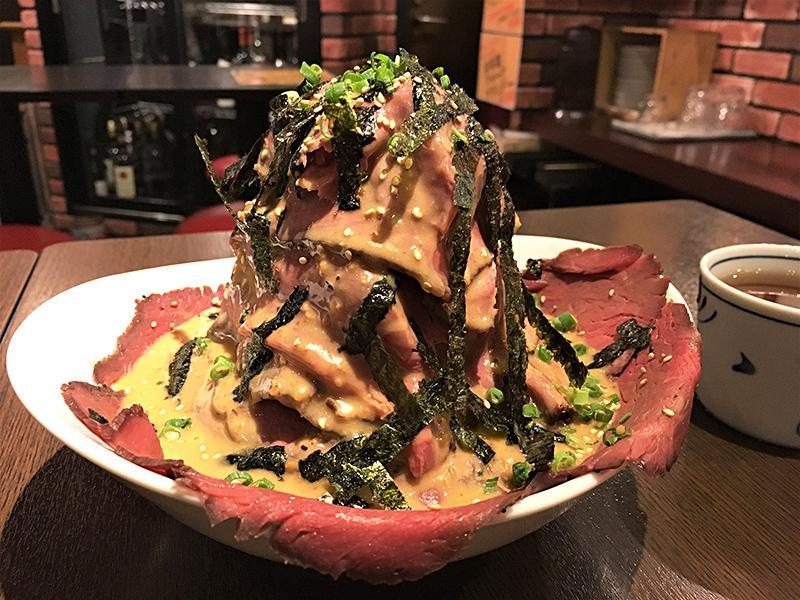 ワインダイナーヴィンゴ 四ツ谷店 飲めるローストビーフ丼ひつまぶし風「富士山」