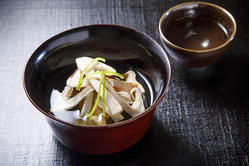 松茸と海老しんじょう×「黎明 本醸造」