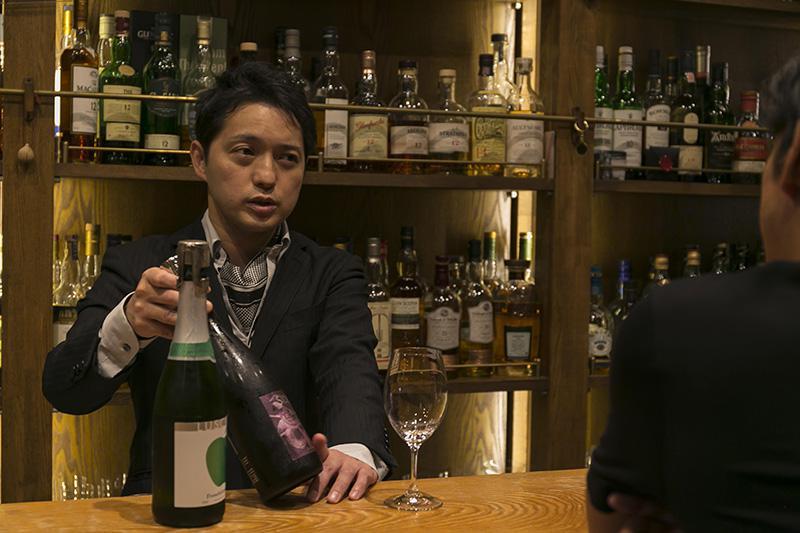 オーナーバーテンダーの藤井達郎さん