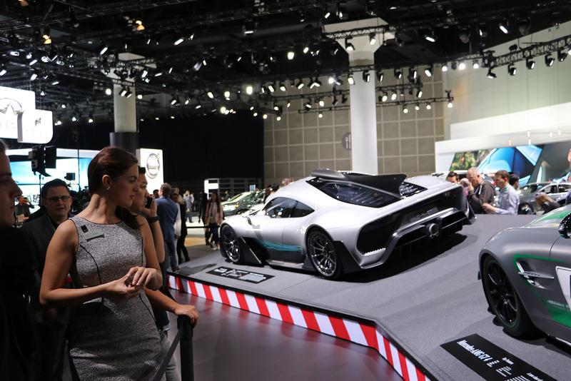 1000馬力を超えるスーパースポーツ、メルセデスAMGのプロジェクト1は東京モーターショー同様、ロサンジェルスでも大きな話題に