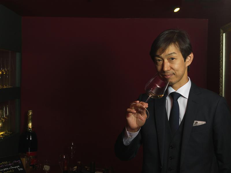 森上久生さんはサンパウやベージュなど名店でシェフソムリエを歴任。