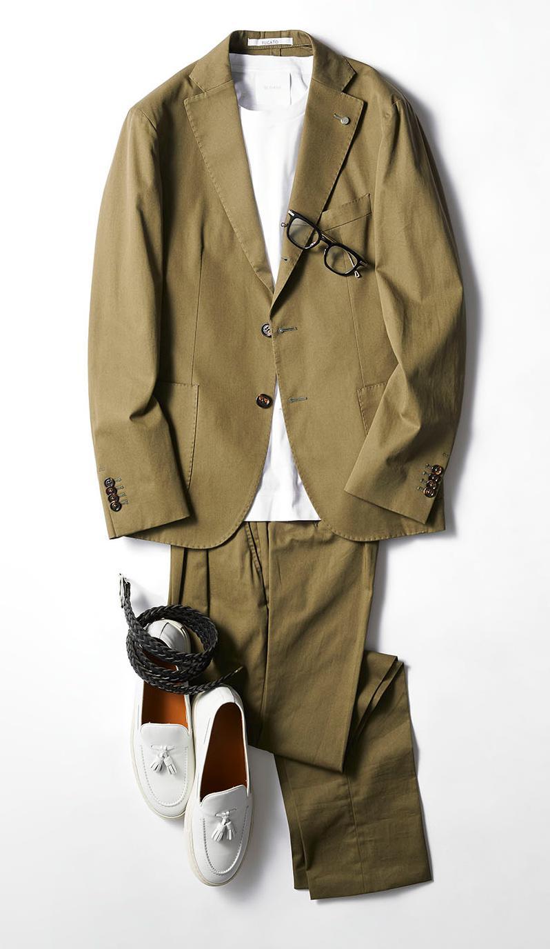 スーツ/9万8000円/フガート(コロネット)、カットソー7800円/スローン、メガネ4万4000円/ネイティブサンズ(ザライト)、ベルト3万円/シャンボール セリエ(八木通商)