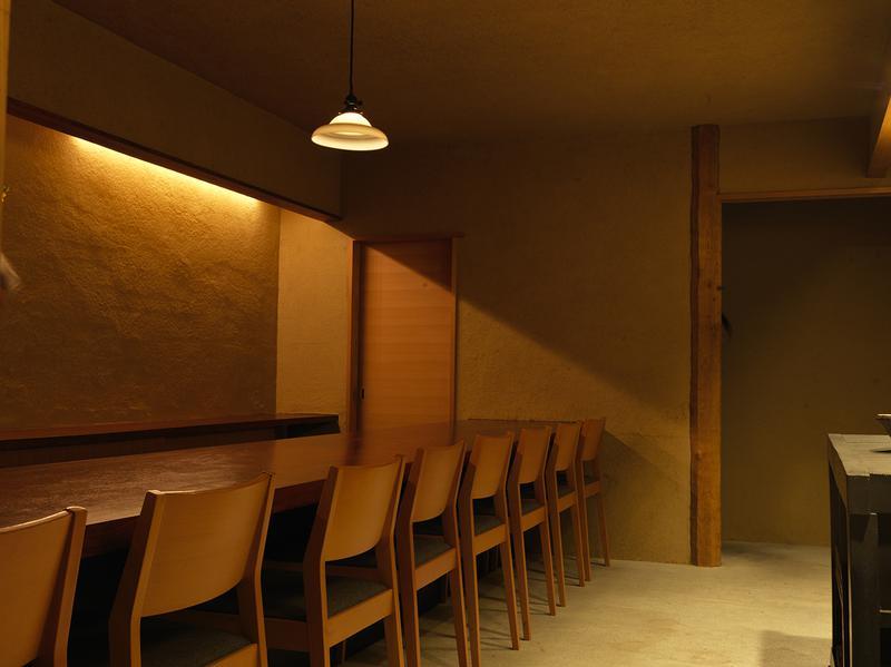 「壺中」は看板も電話もないため、わかりにくいのが難であり、魅力でもある店。住所から探してみて。