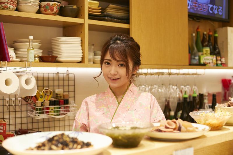 夢ん家/グラビアタレントとして活躍した後、料理の世界に入った女将の中西英里佳さん。