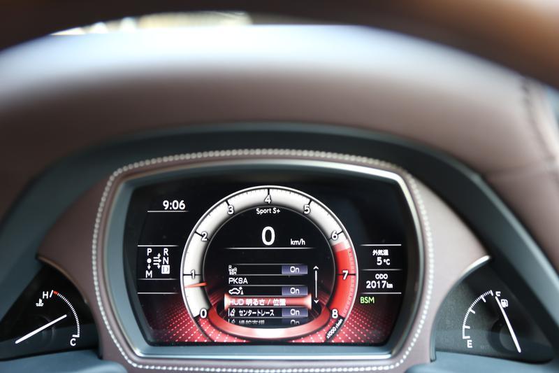 レクサス LS500/情報を集約して見やすいメーターはドライブモードでデザインが変わる(写真はEXECUTIVEのSPORT+モード)