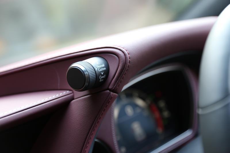 レクサス LS500/「ECO」から「SPORT+」まで6つのモードを持つドライブモードセレクトのスイッチ