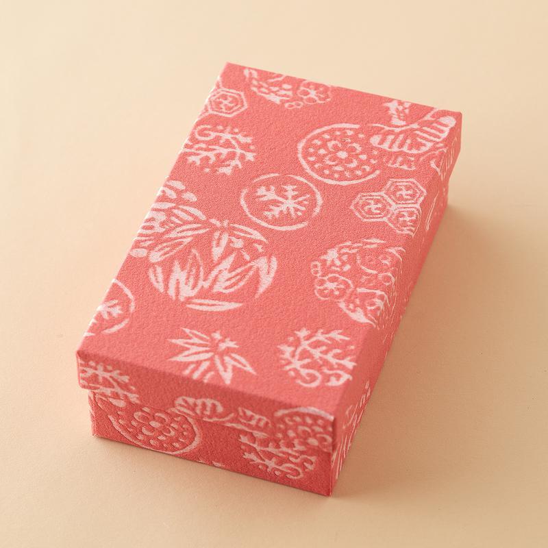 藤江屋分大 / ピンクの箱もかわいらしいと好評。