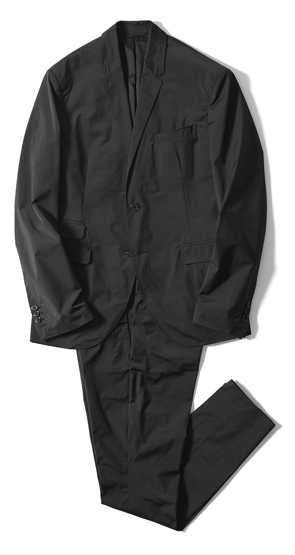 ジャケット12万5000円、パンツ5万5000円/ともにニール バレット(ニール バレット GINZA SIX)