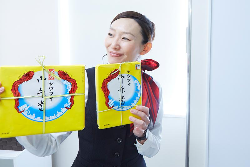 1日180名の見学者を受け入れている崎陽軒 横浜工場。ガイドさんの丁寧な説明も楽しい。