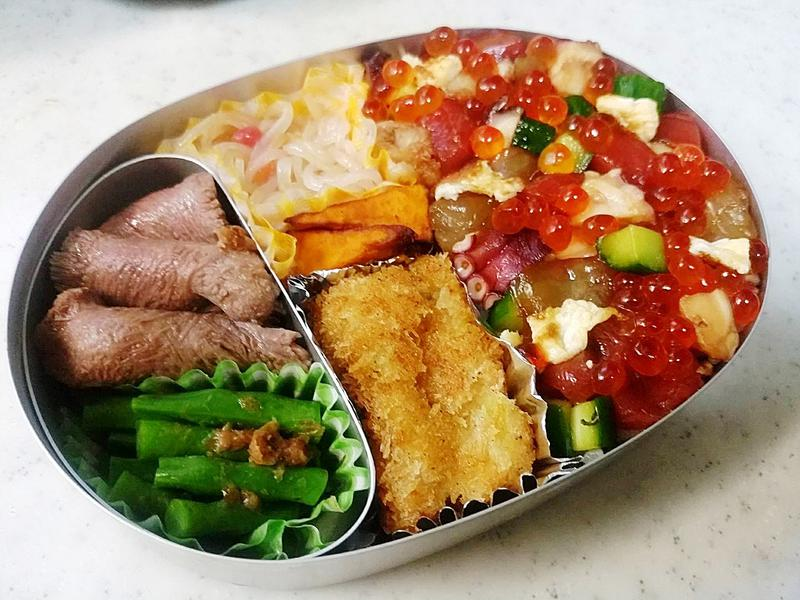 美食家で知られ、レストランにも多くの知己がいる柏原さんが作るお弁当にはときにプロからのアシストも。