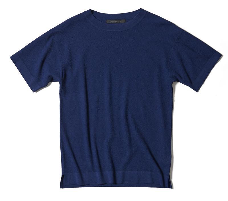 ネイビーニットTシャツ2万1000円/デザインワークス(デザインワークス ドゥ・コート銀座店)