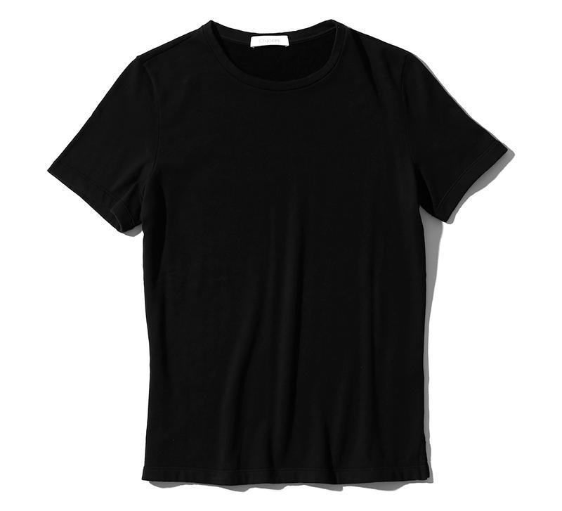 Tシャツ2万2000円/クルチアーニ(クルチアーニ銀座店)