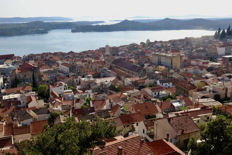 クロアチアのスプリットそばの街の風景