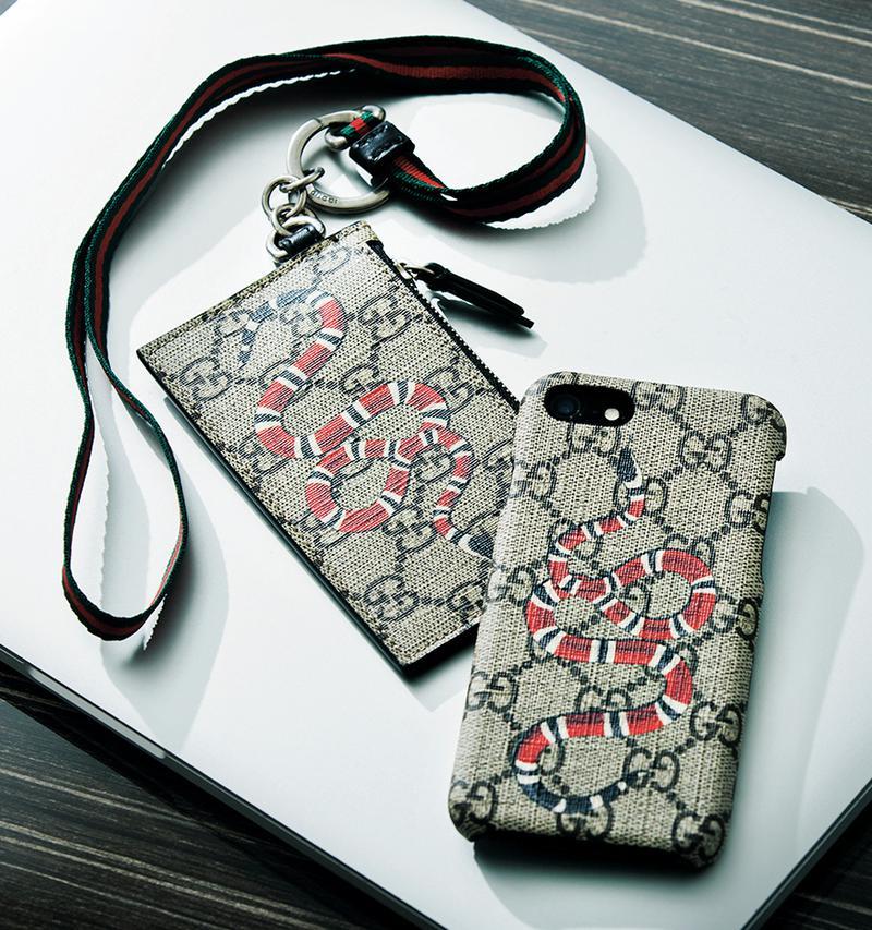 スマホカバー(iPhone 8)2万8000円、カードケース4万6000円/ともにグッチ(グッチ ジャパン)