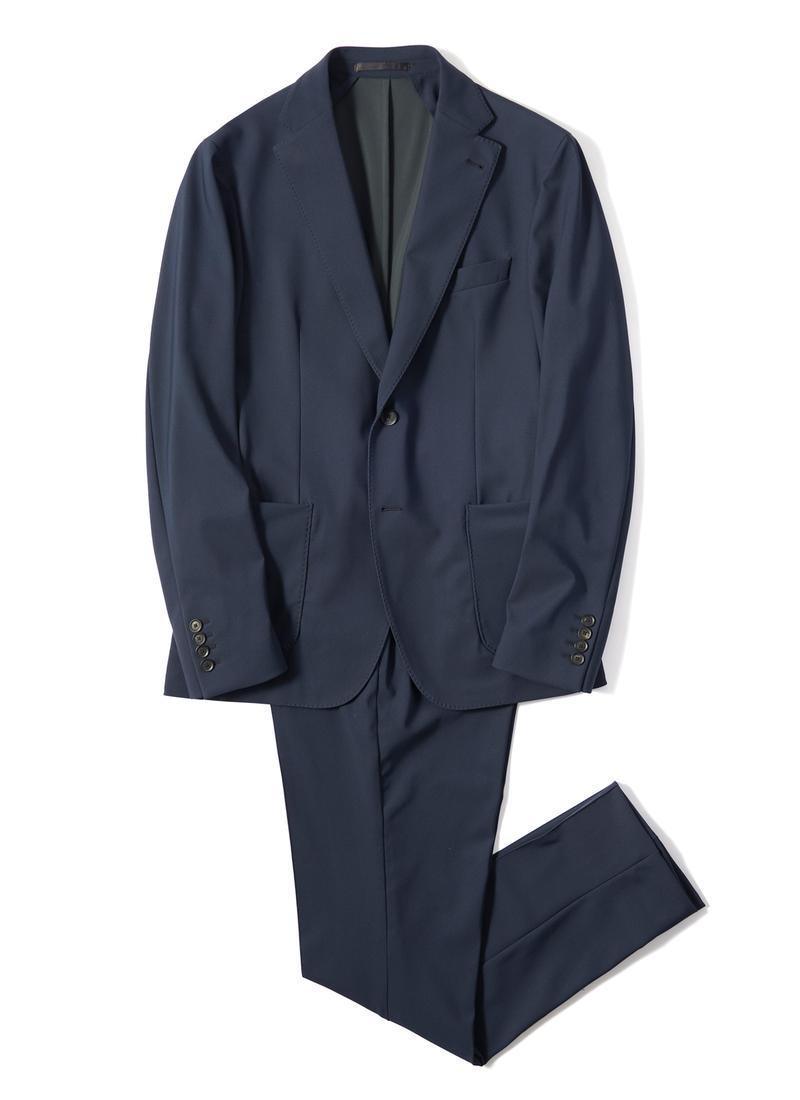 ジャケット7万9000円、パンツ3万3000円/ともにトライアーノ(バーニーズ ニューヨーク カスタマーサービス)