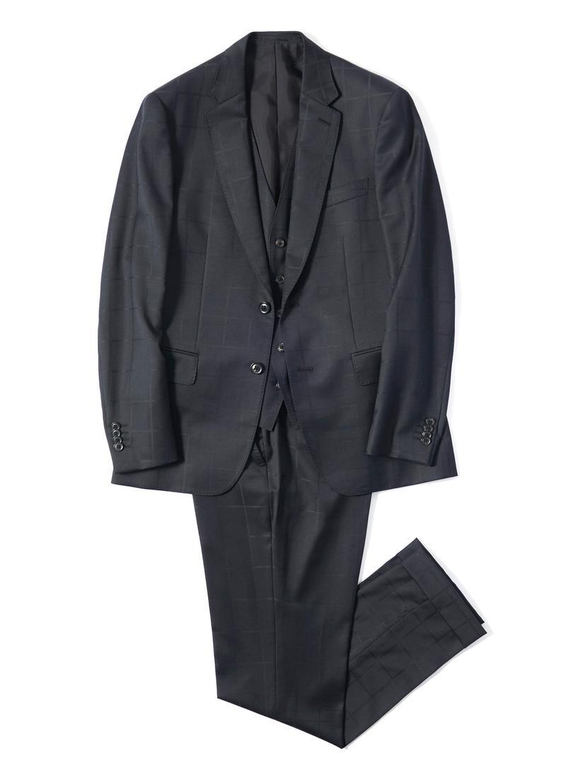スーツ8万円、ジレ2万4000円/ともにポール・スミス(ポール・スミス リミテッド)