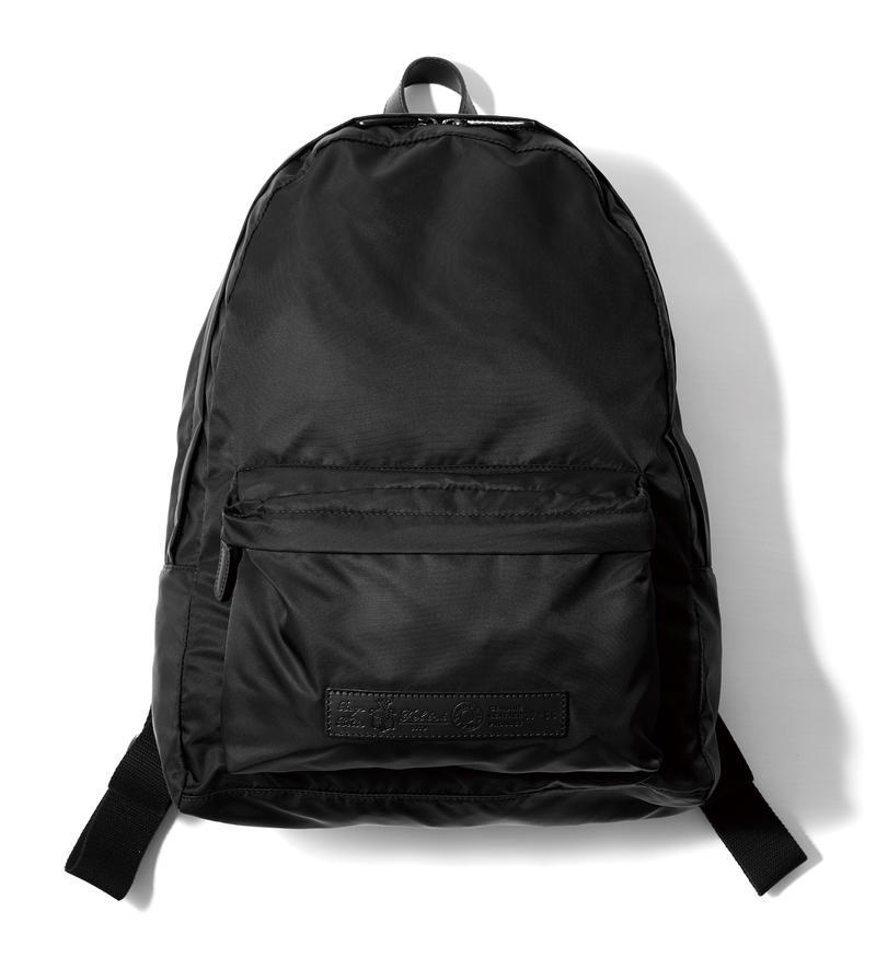 バッグパック [W30×H36×D12.5㎝]。5万3000円/フェリージ(フェリージ 青山店)