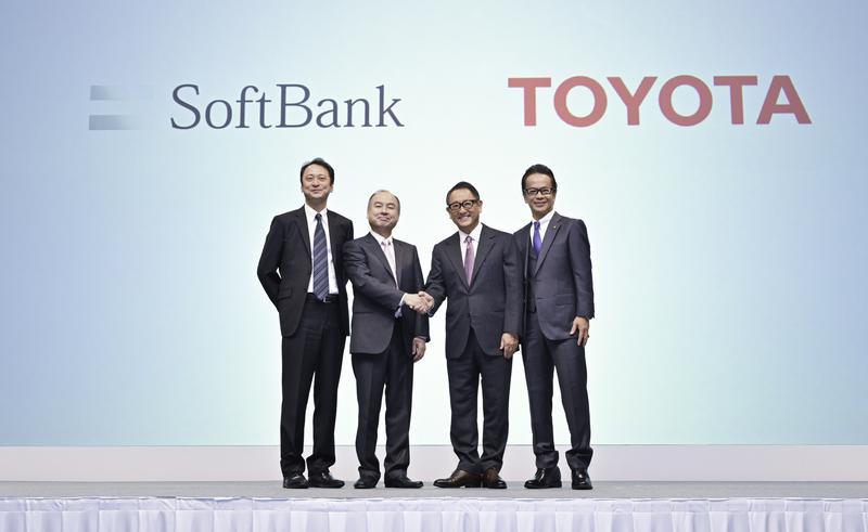 10月4日に行われた、トヨタ・ソフトバンク共同記者会見より。合弁会社「MONET Technologies(モネ・テクノロジーズ)」の設立が発表された。